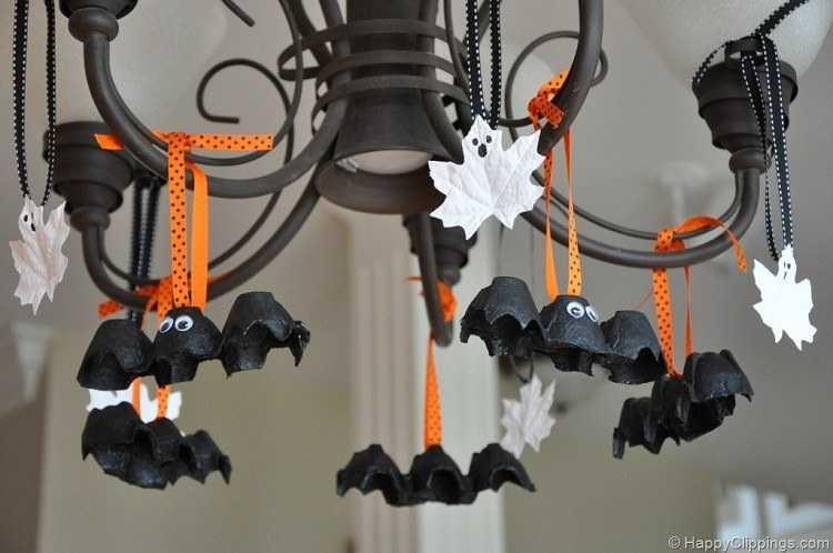 decoracion-halloween-adornos-murcielagos-carton-huevos
