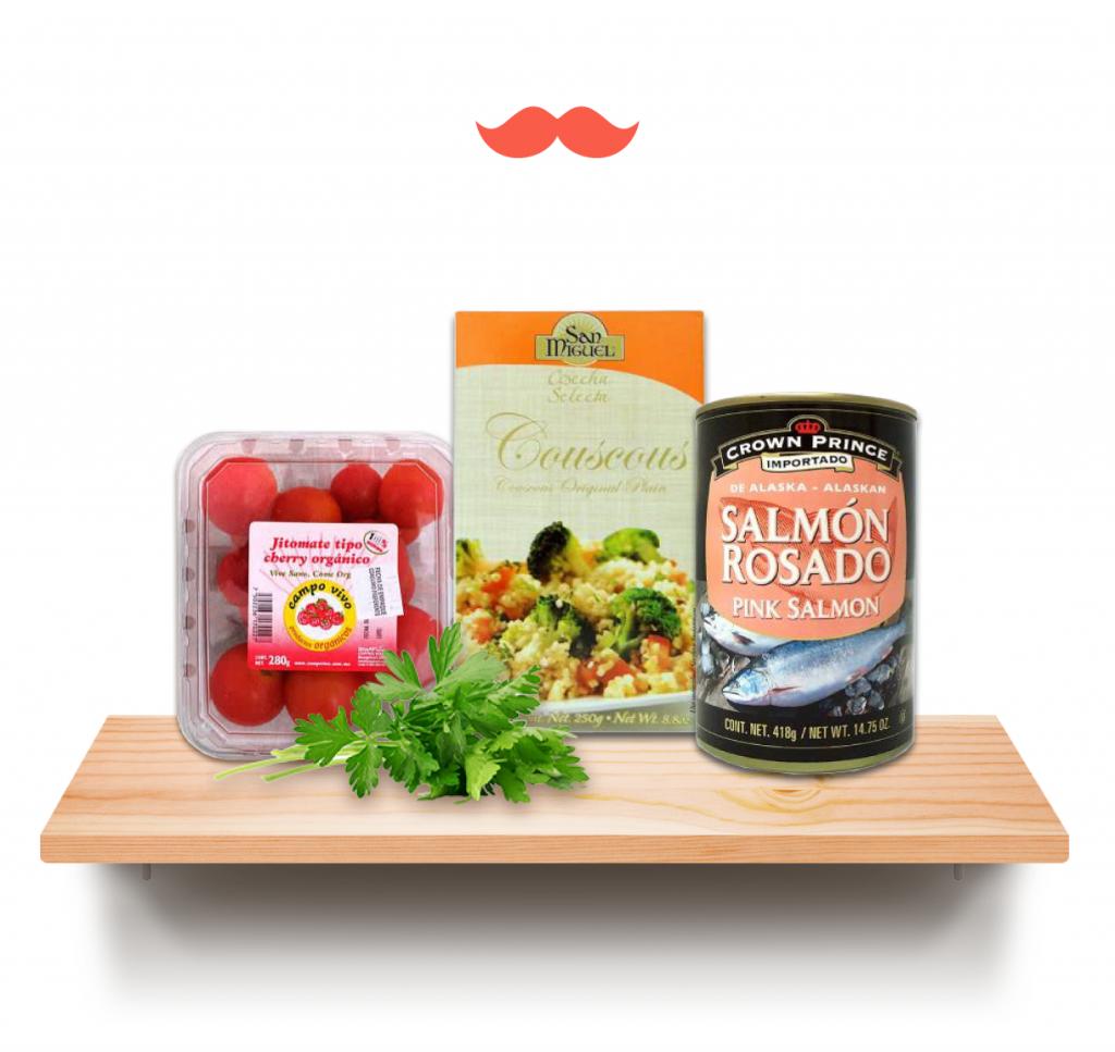 tabule con salmón-estante