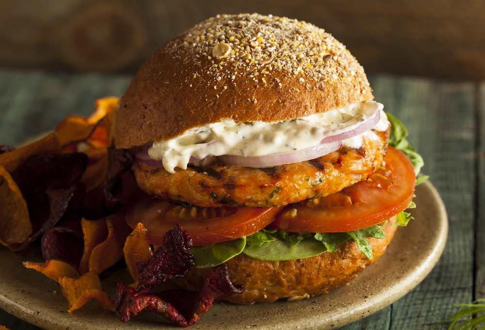 platillos saludables hamburguesa-de-salmón