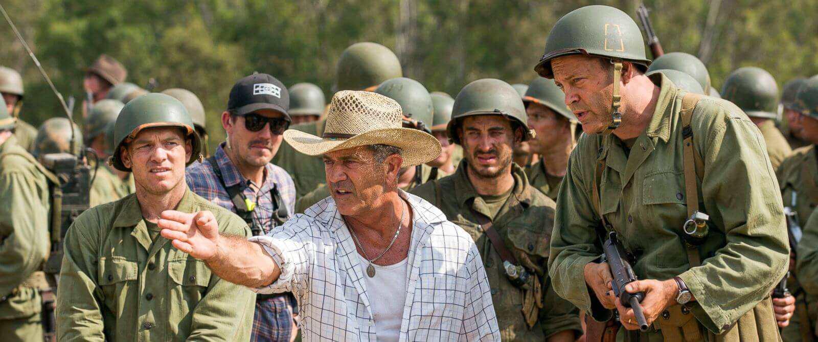 Mel-Gibson-durante-el-rodaje-de-Hasta-el-último-hombre (1)
