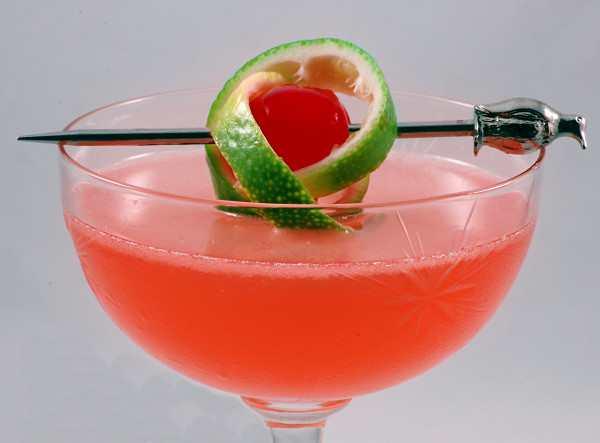 Pernod Ricard tragos Pink Lady