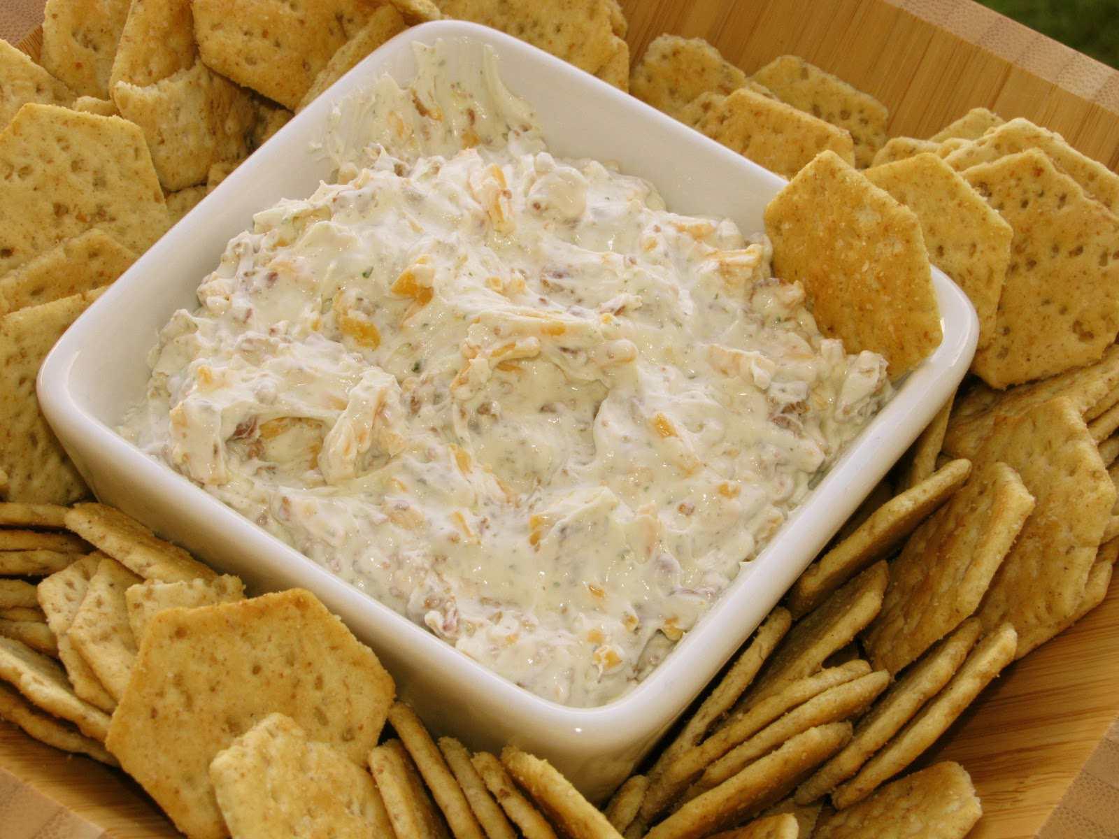 Dip de queso Cheddar y Tocineta