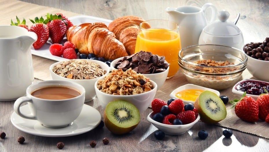 10 ideas de desayunos saludables y fáciles de preparar en casa
